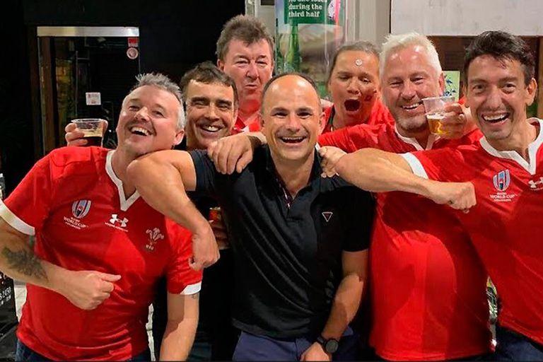 Mundial de rugby: la foto en broma que le costó muy cara a un conocido árbitro