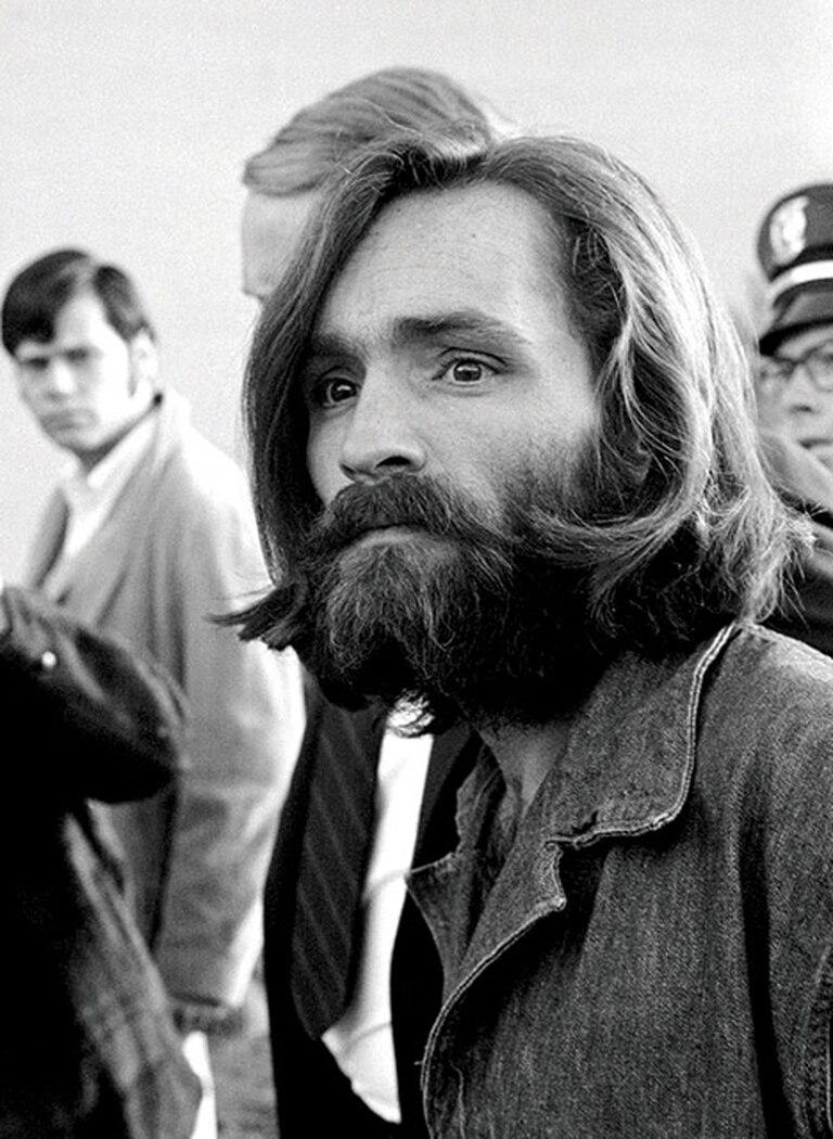 Charlie Manson después de los asesinatos, que muchos ahora creen que fueron una copia del crimen de Beausoleil