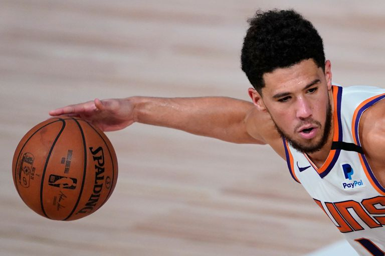 """Devin Booker, la figura de Phoenix Suns, la sorpresa de la """"burbuja"""" de la NBA que quiere ingresar a Playoff"""