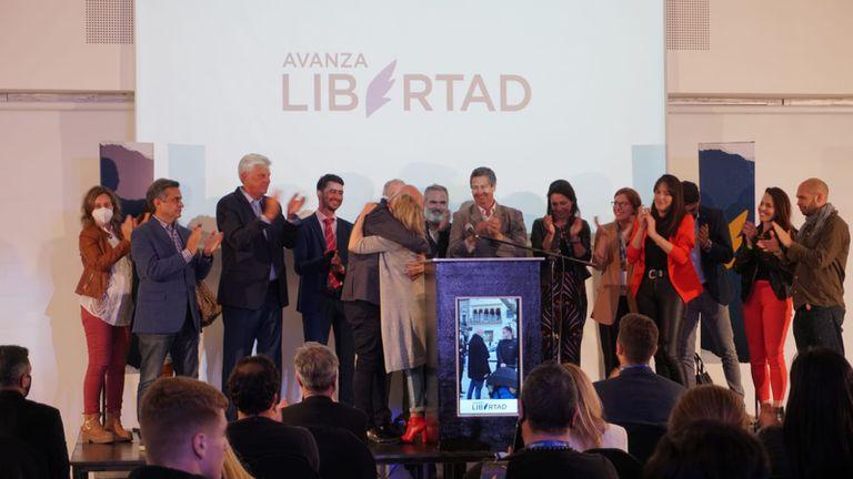 """En la provincia de Buenos Aires el liberalismo logró un hito"", afirmó José Luis Espert en el búnker de Avanza Libertad"