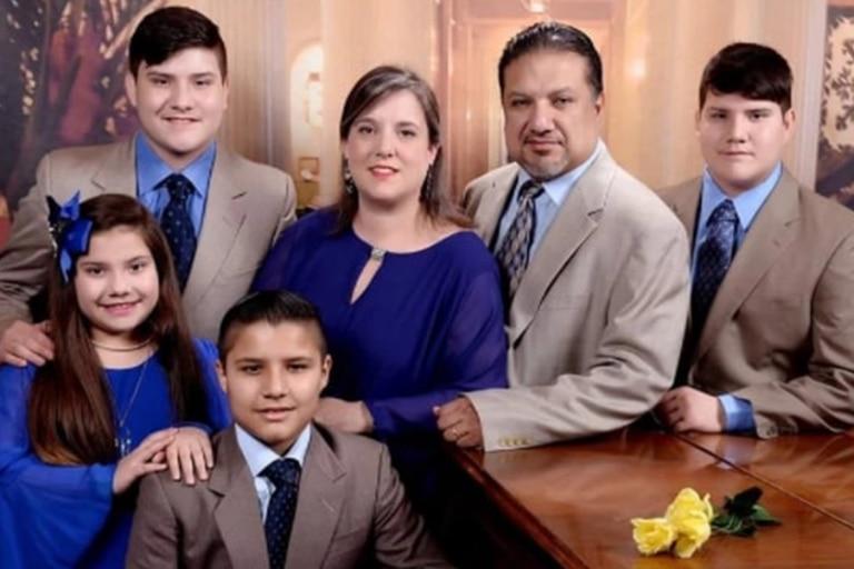 El matrimonio que murió por coronavirus dejó cuatro hijos, mellizos de 18 años, un chico de 16 y la pequeña de 11 años