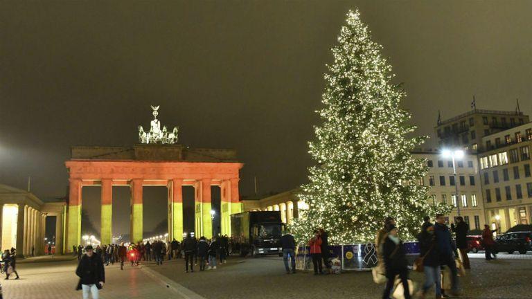Los colores de Alemania en Berlín, un día después del ataque