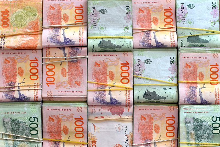 El Gobierno complicó su financiamiento y temen que deba recurrir a más emisión monetaria