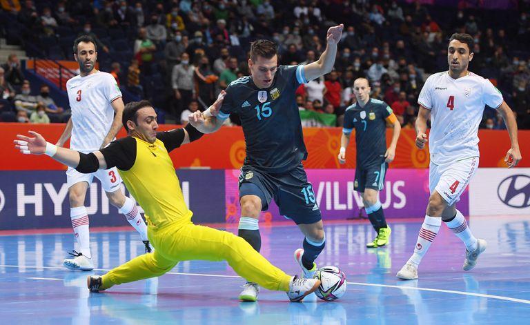 Argentina ganó de nuevo y ya tiene rival en los octavos de final