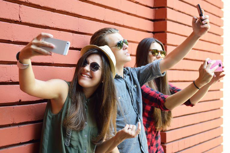 Menos pose: ser auténticos en Internet mejora la autoestima, según un estudio