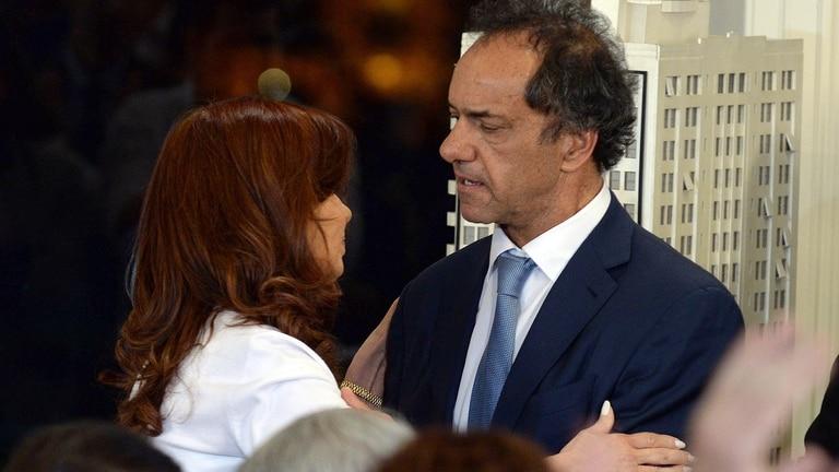 Cristina Kirchne y el candidato del oficialismo, Daniel Scioli