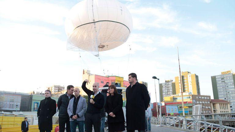 El globo estará suspendido a 30 metros de altura.