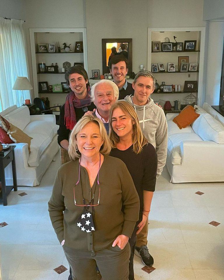 Lucila Fernández Llanos, Roberto García Moritán (p) y sus cuatro hijos