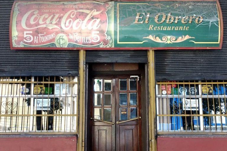 """A más de 60 años de su fundación, El Obrero cerró sus puertas: """"La suba de precios y la baja del turismo por la pandemia fueron demasiado"""""""