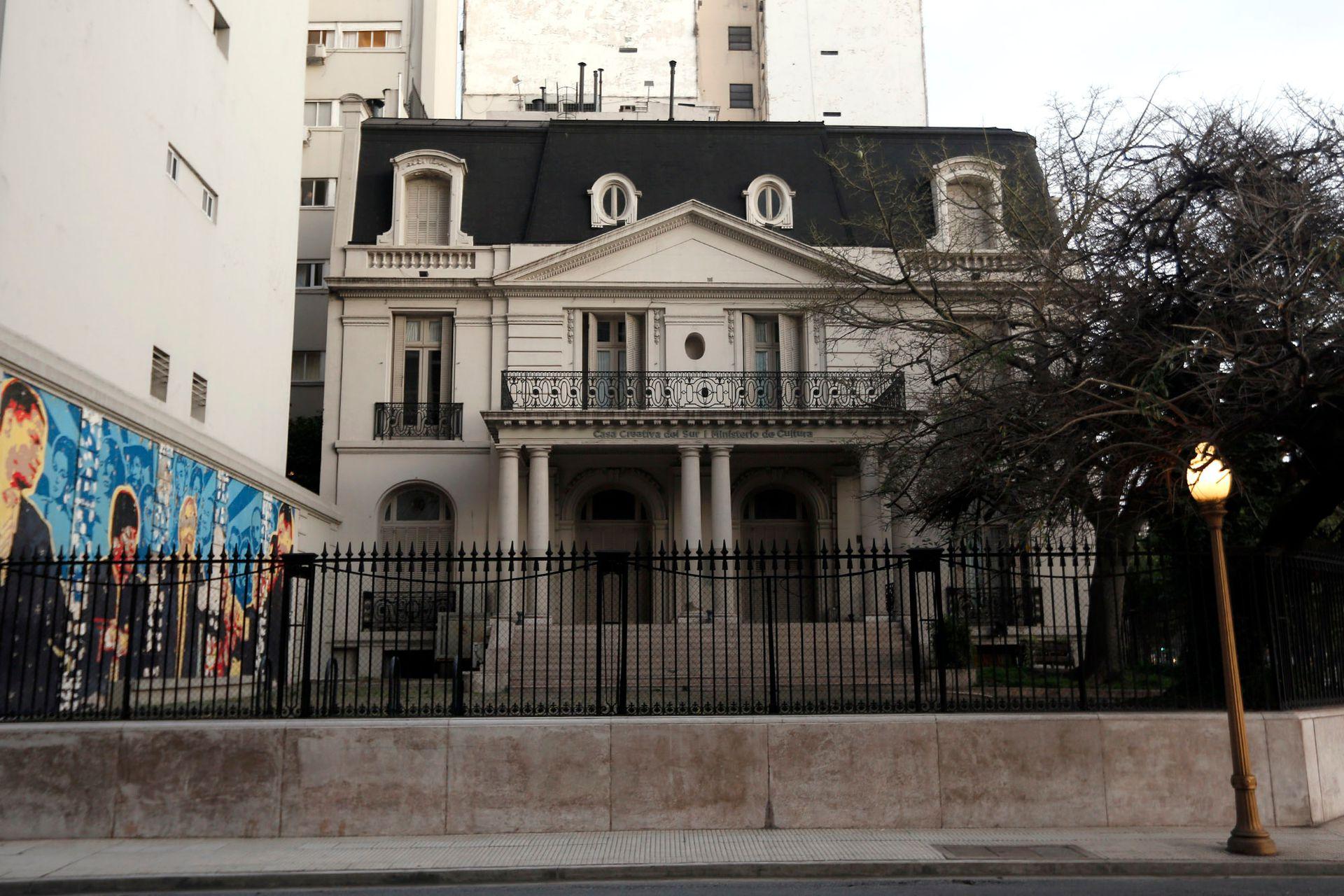 La mansión de principios de siglo tiene casi 700 metros cuadrados