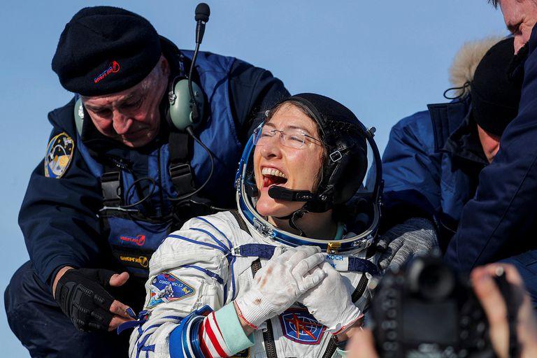 Récord: la astronauta Christina Koch regresó a la Tierra tras casi un año