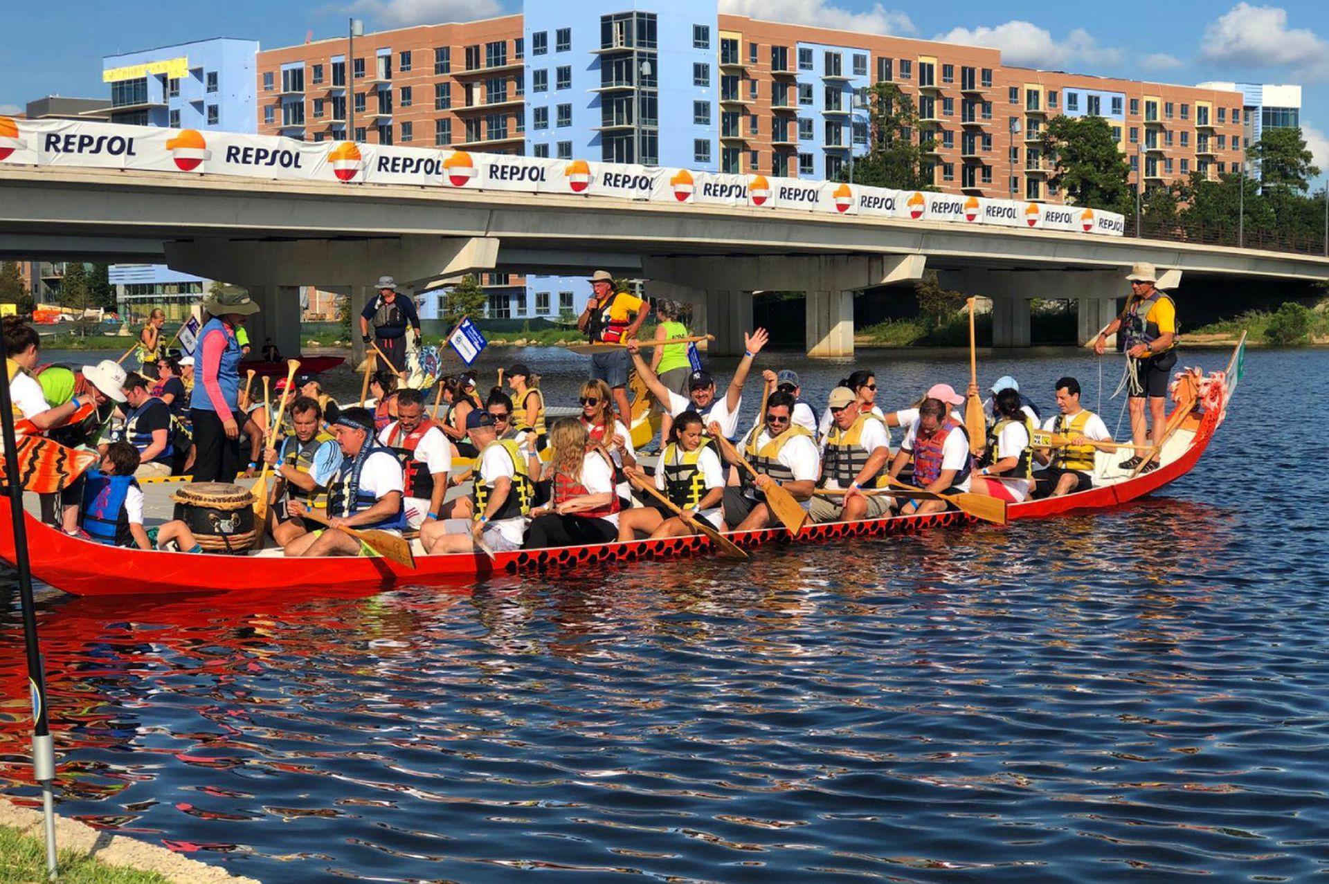 Argentinos en texas, campeones en Dragon Boat.