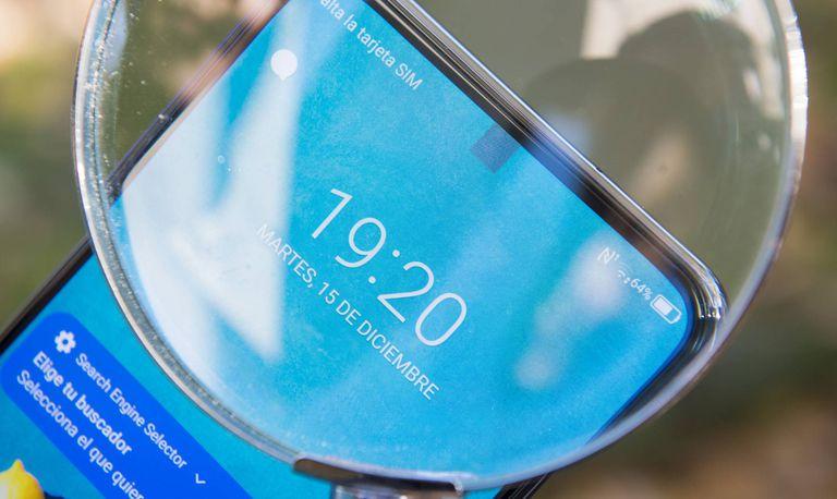 El novedoso teléfono de ZTE mantiene oculta la cámara selfie frontal por debajo de la pantalla