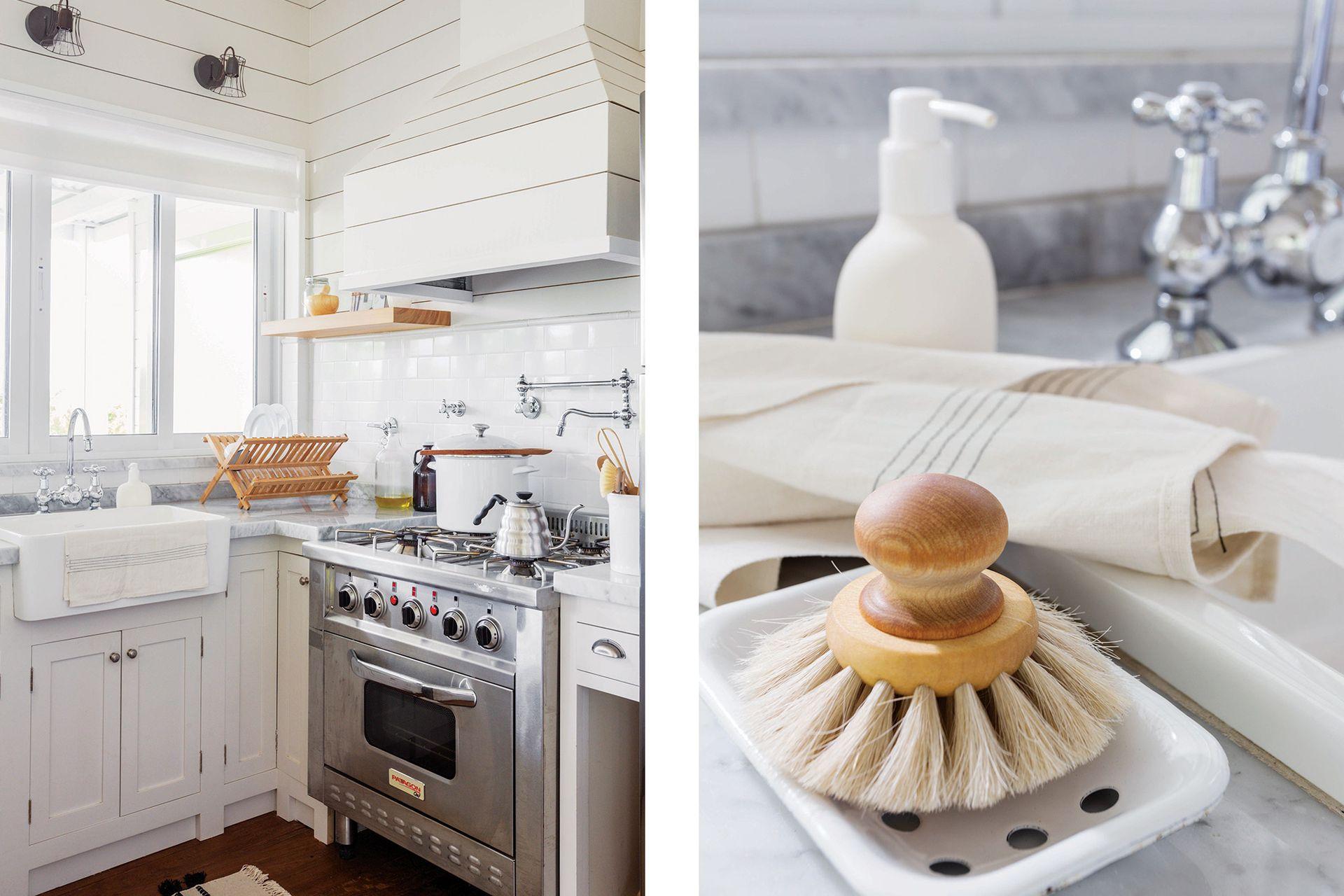 El piletón 'Country' (Ferrum), la campana y la cocina industrial (Patagon Chef) refuerzan el estilo ribereño.