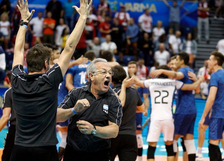 El desborde de Velasco y los entretelones de un triunfo histórico del voleibol