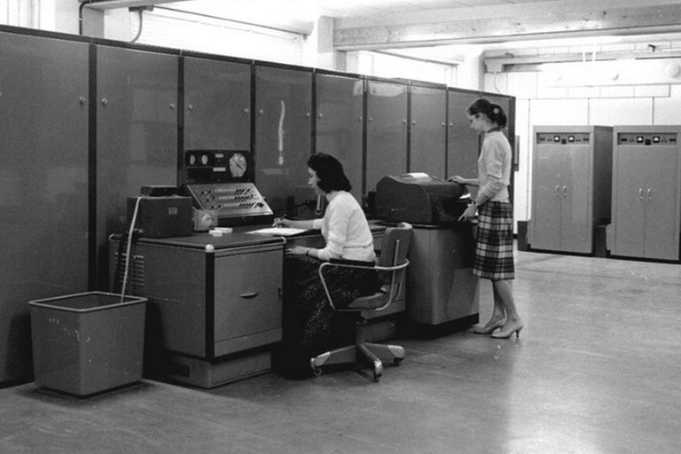 La historia de Rebeca Guber, pionera de la informática en la Argentina