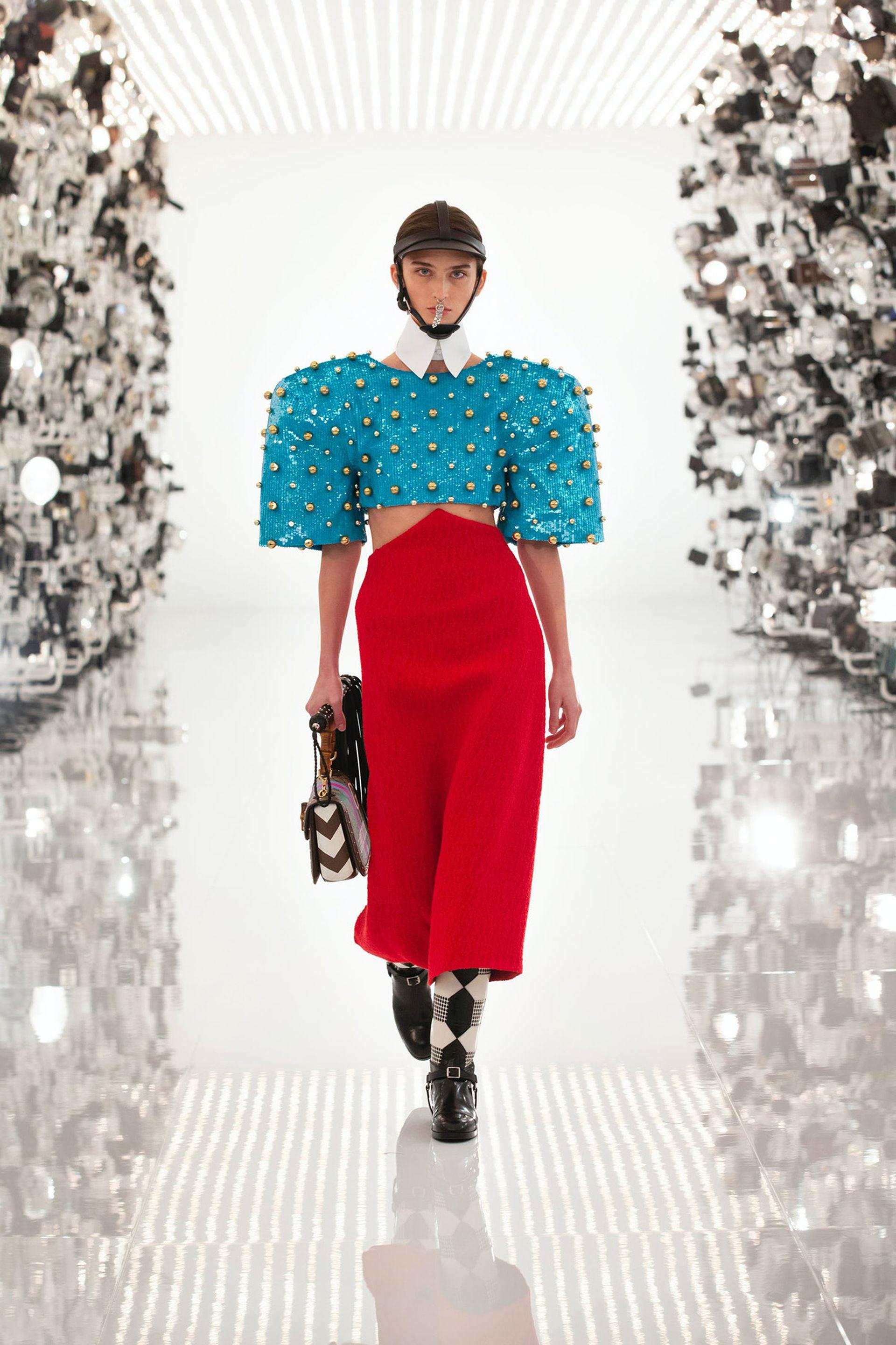 """En """"Aria"""", Gucci rinde homenaje a Balenciaga"""