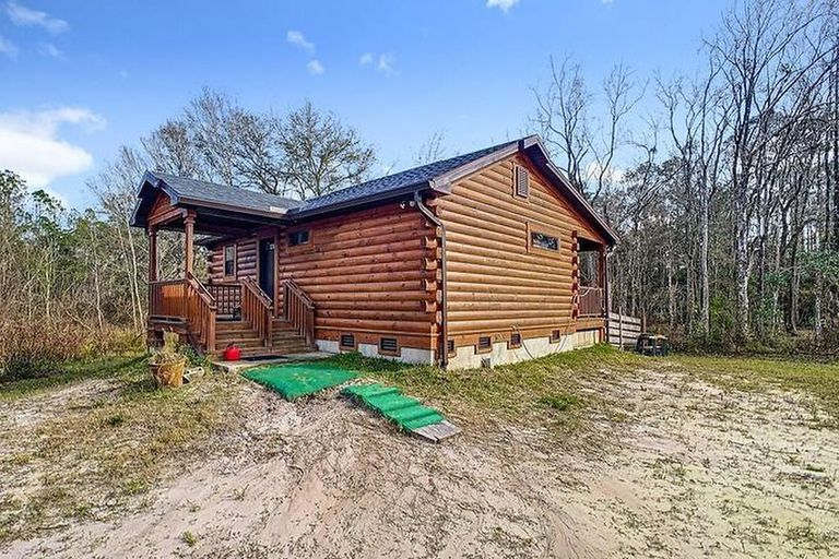 Florida no solo tiene playas, también bosques, y esta cabaña se vende alli por US$300.000
