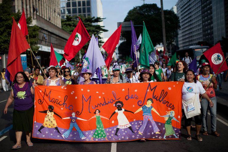 Mujeres del mundo marcharon para defender sus derechos