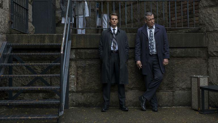 Holden, Bill, y sus eternas esperas para entrevistar a los asesinos