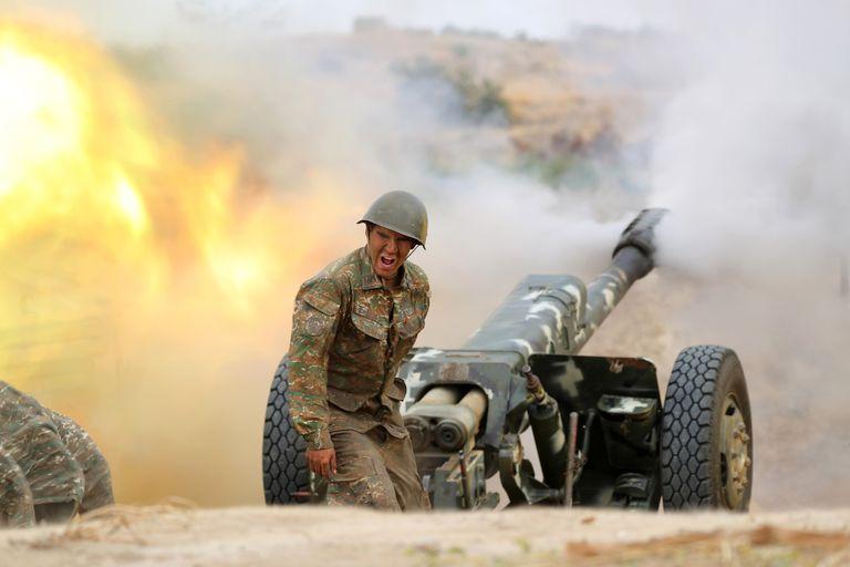 Fuerzas azeríes en un combate en Karabaj
