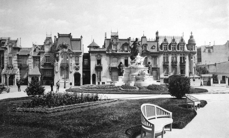 Plaza Pellegrini, 1920