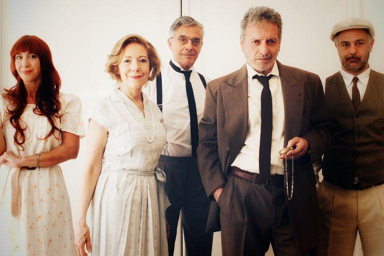 Cinco grandes artistas argentinos transitan sus amores y desamores en esta ceremonia teatral