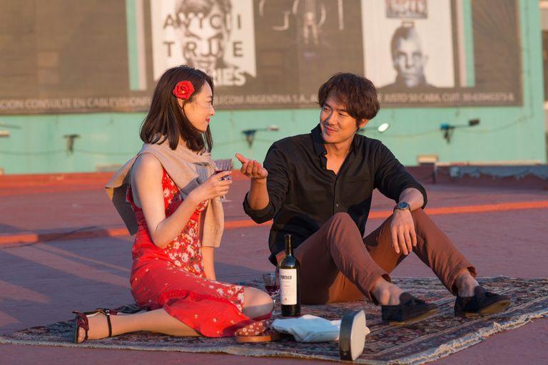 Blues de año nuevo: la comedia romántica filmada parcialmente en la Argentina