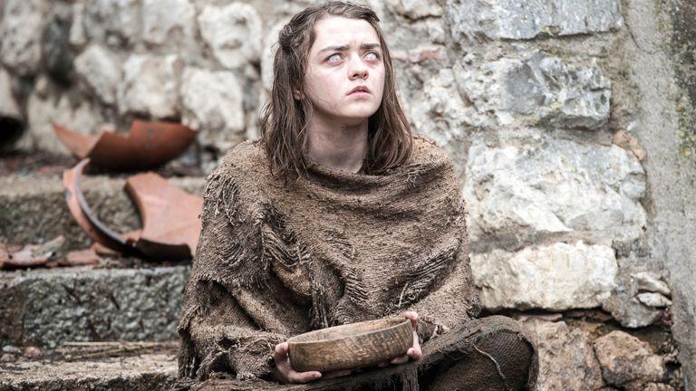 Arya Stark (Maisie Williams), deberá aprender a pelear de nuevo