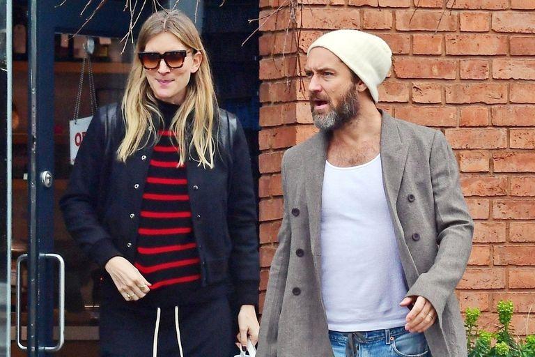 En marzo, Jude Law y su mujer cuando se empezaba a notar el embarazo
