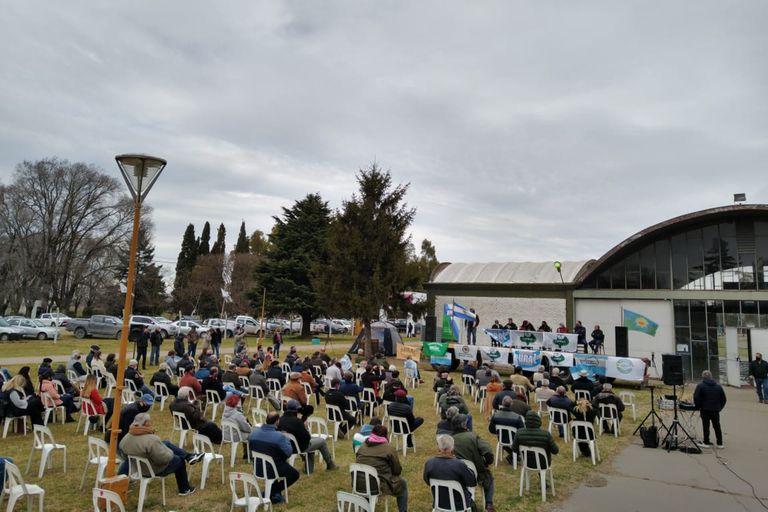 El sábado pasado, dirigentes y productores de la cadena de la carne reclamaron el fin del cepo a la exportación en una reunión en la Sociedad Rural de Olavarría