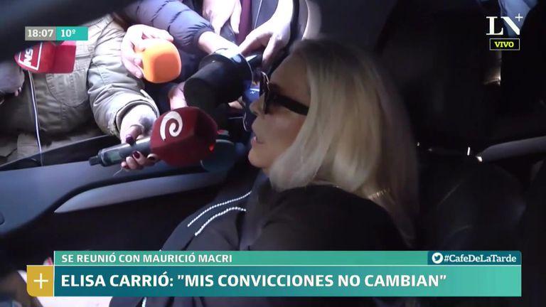 """Carrió se reunió con Macri y relativizó sus dichos de """"romper"""" con la coalición gobernante"""