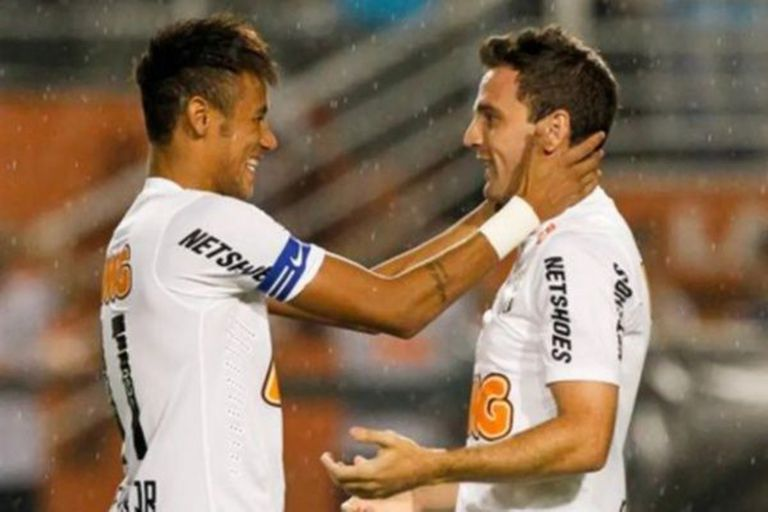 Neymar llamó a Montillo para jugar en Santos y ambos compartieron seis meses en el equipo popularizado por Pelé; hoy siguen en contacto.