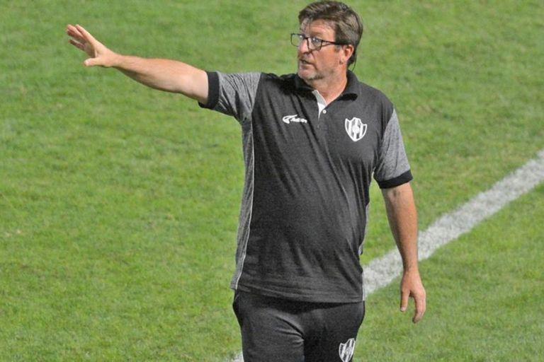 """Berti, en llamas. Acusa al manager tras su despido: """"En 5 minutos se puso de DT"""""""