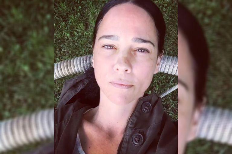 Foto y polémica: quién es Motherberns, la mujer que besó Dolores Barreiro