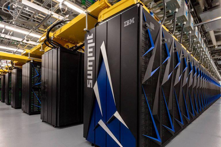 El poder de cálculo de la supercomputadora de IBM permitió identificar los componentes para combatir la pandemia en solo dos días