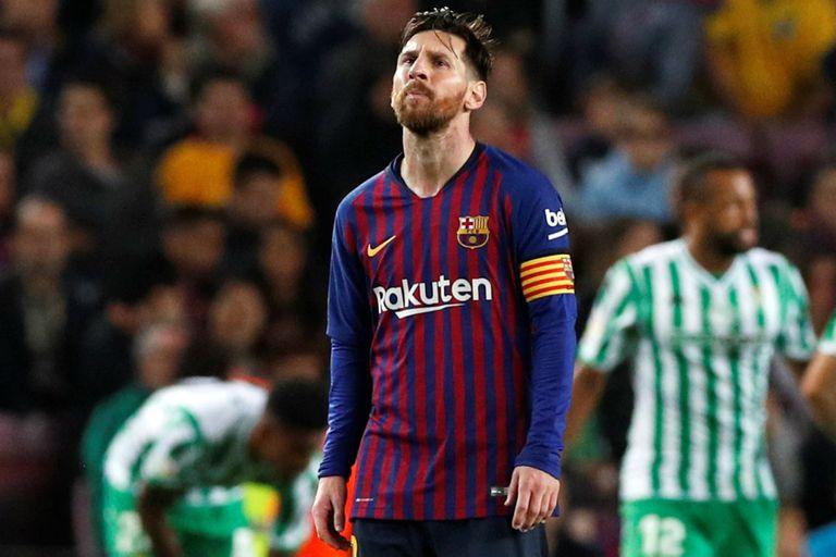 Barcelona-Betis: Messi marcó dos goles en su regreso, pero su equipo cayó
