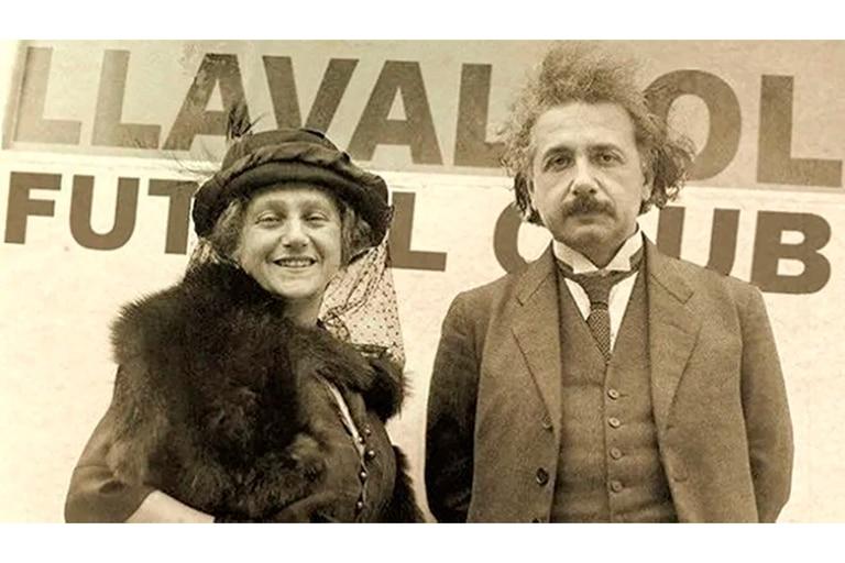 Einstein durante su visita a la localidad bonaerense de Lavallol