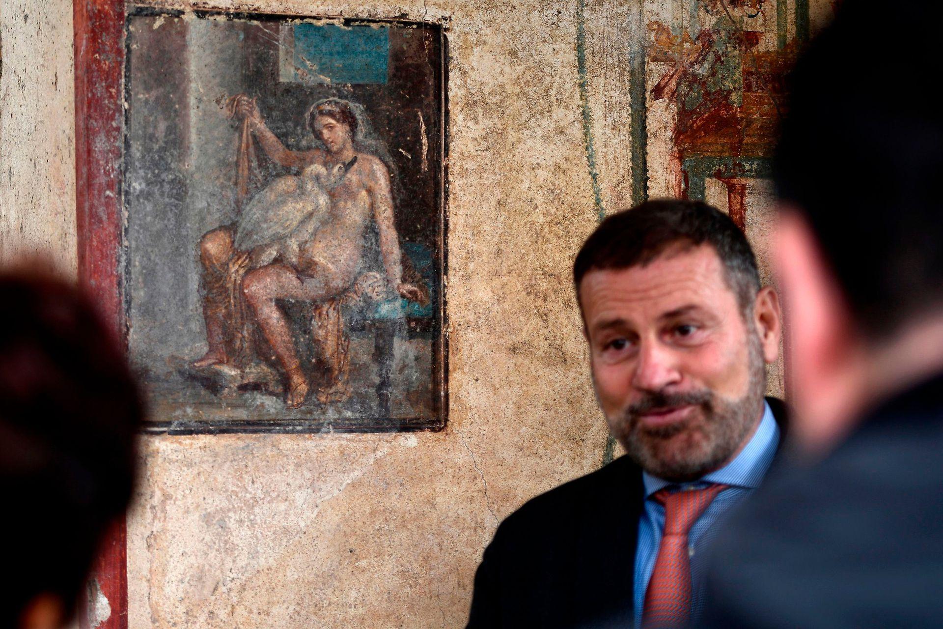 Un fresco que representa a la princesa mitológica griega Leda y un cisne, en una antigua habitación de Pompeya, fue descubierto en noviembre de 2018