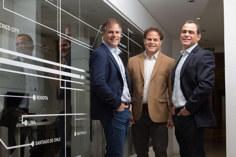 Eran remiseros, empeñaron todo y crearon un negocio millonario