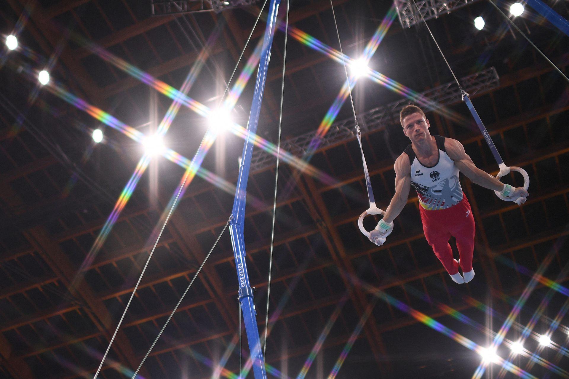 Philipp Herder, de Alemania, en las pruebas de gimnasia artística