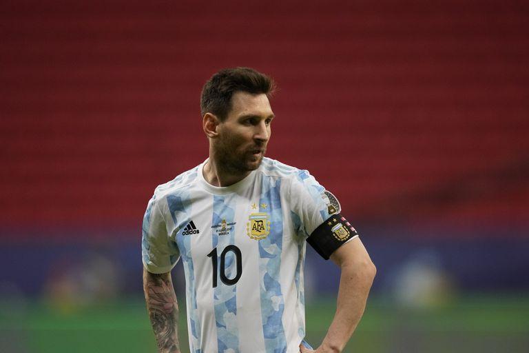 Fatigado, Messi estuvo muy ausente durante la segunda etapa, cuando la selección se dedicó a correr detrás de la pelota para sostener la mínima ventaja contra Paraguay