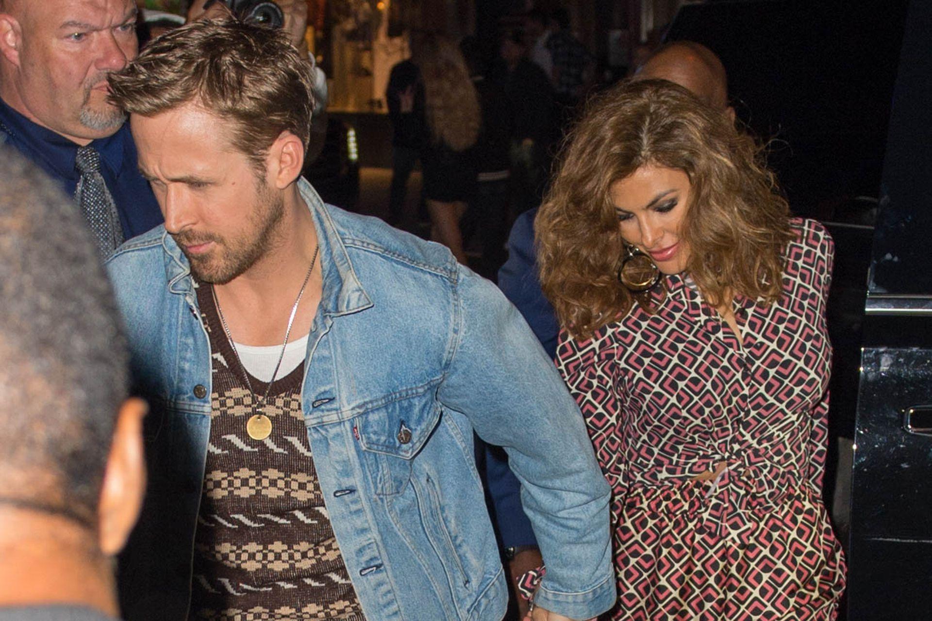 Ryan y Eva, escapando de los flashes en una salida nocturna por Los Angeles
