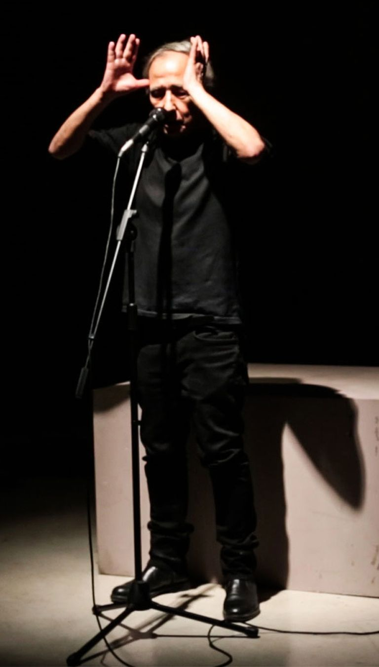 """Alfredo Prior en la presentacion de """"Otras Formas"""" en el Moderno"""