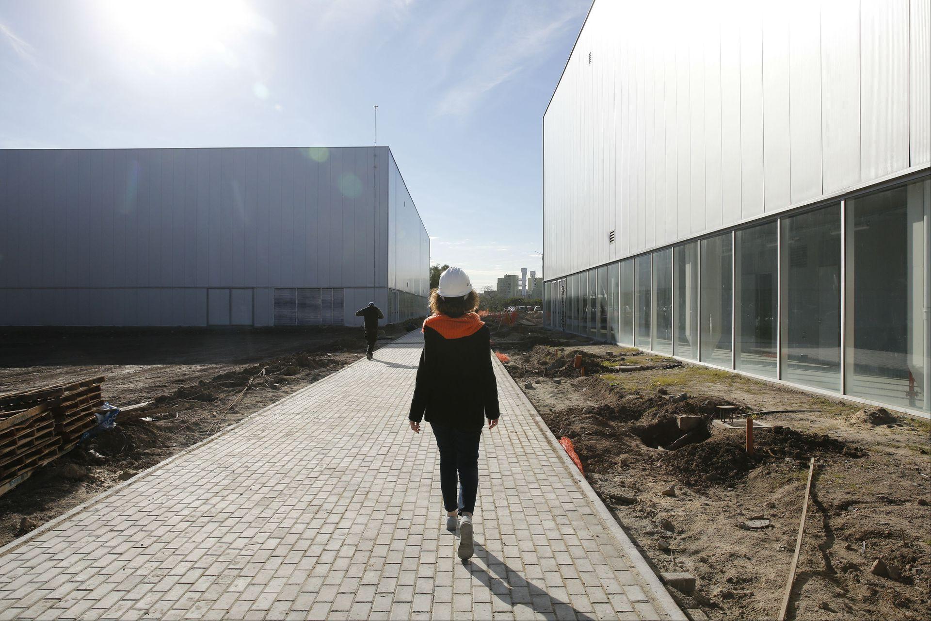 Un camino peatonal de 1500 metros une los seis pabellones