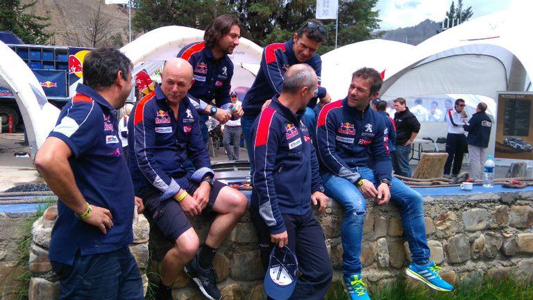 El equipo Peugeot completo