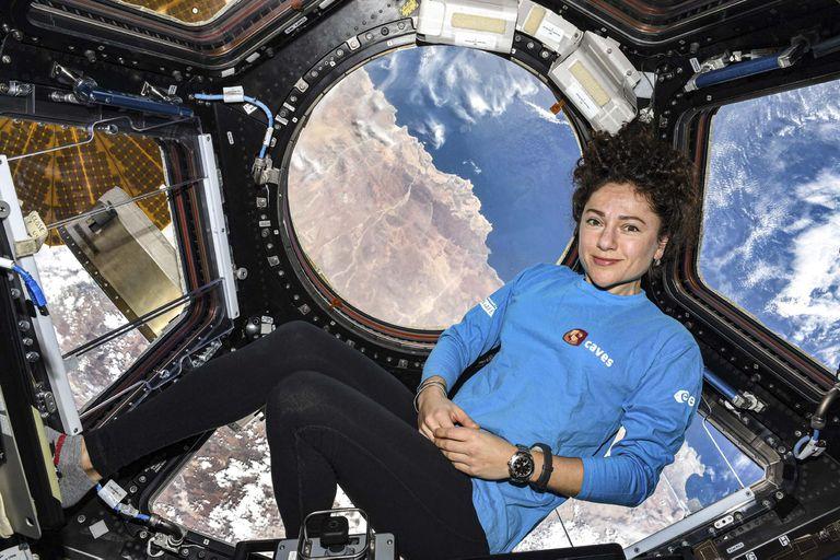 La astronauta de la NASA Jessica Meir, en la Estación Espacial Internacional.