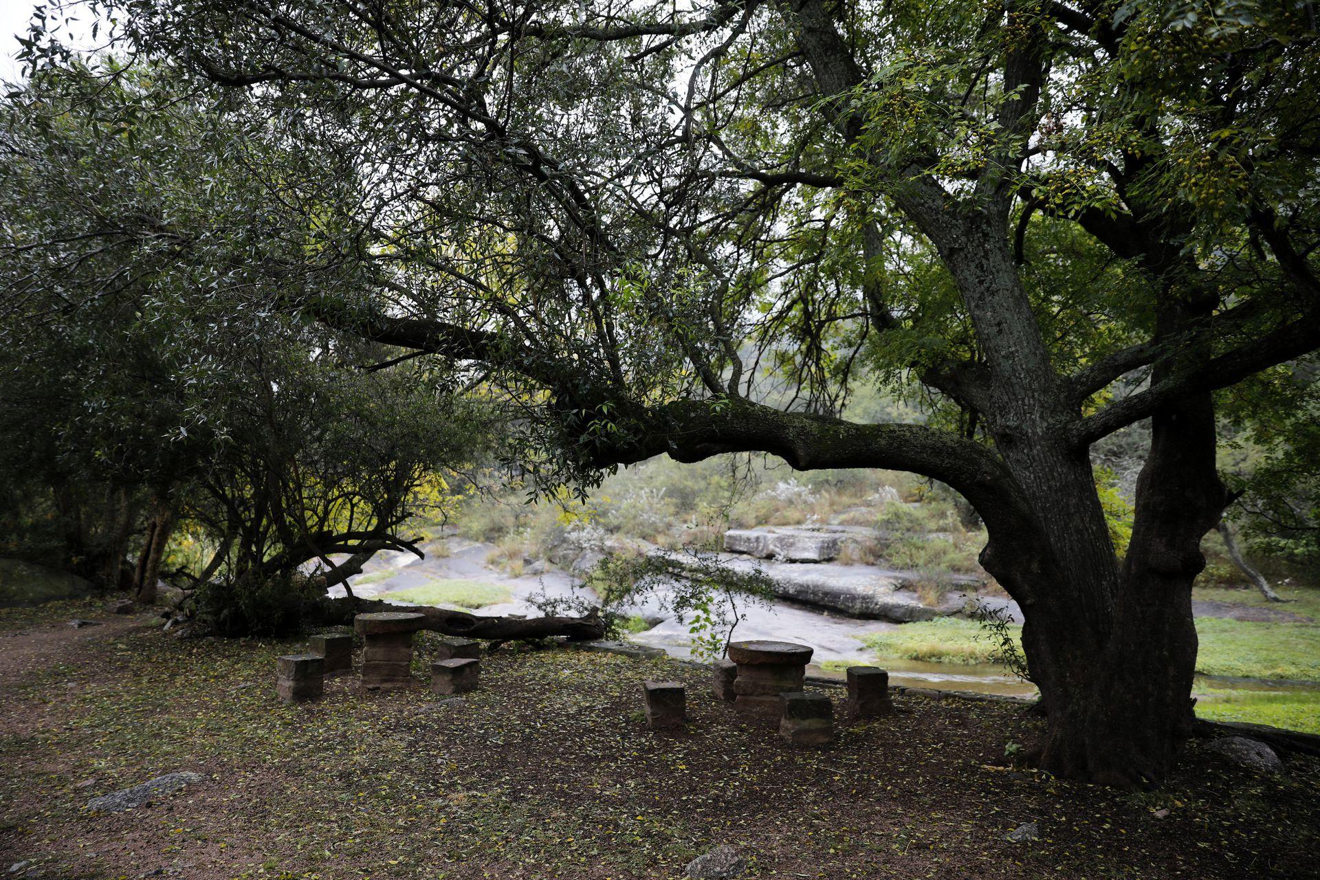 Un espacio de descanso junto al río de los Tártagos
