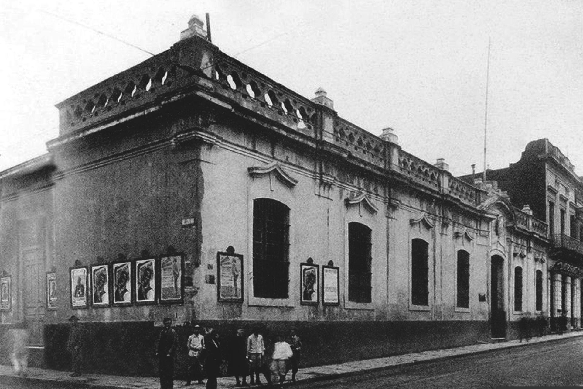 """""""La Casa de la Virreina Vieja"""", en la que vivieron el Virrey del Pino y su mujer Rafaela Francisca de Vera Mujica y López Pintado; la virreina en cuestión."""
