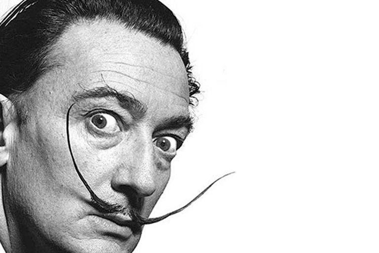 """Dalí tenía 54 años cuando pintó la """"Madona cósmica""""; los especialistas aseguran que la """"obra maestra"""" tiene cuatro veces el tamaño las producciones la época"""